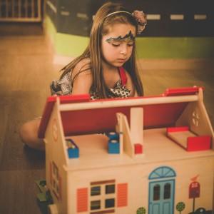 Строеж и обзавеждане на къща